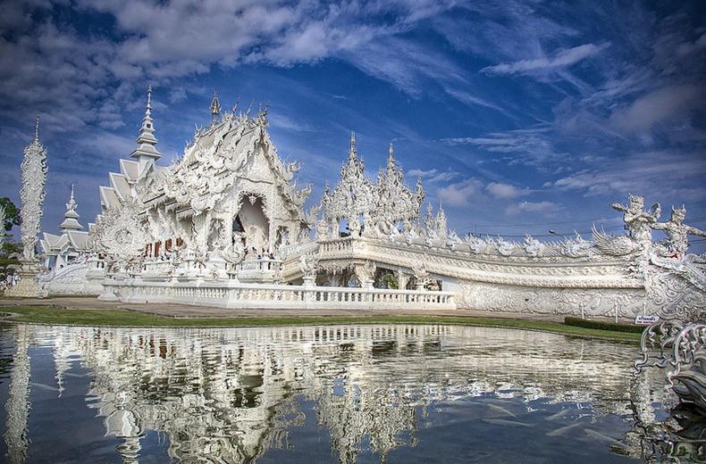وات روانگ خون معبد علمی تخیلی در تایلند