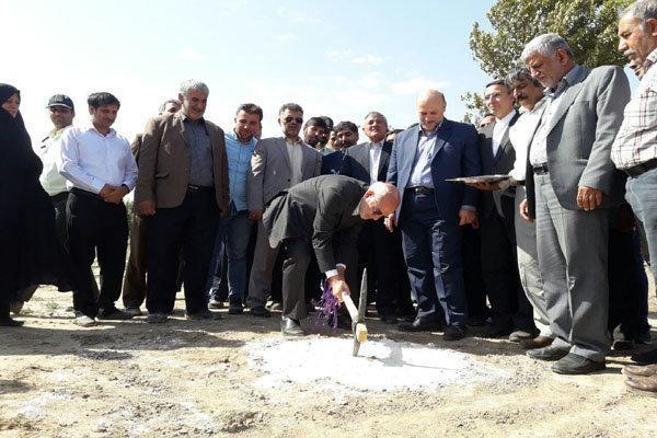 طرح آبیاری تحت فشار قطره ای کم فشار و بارانی در ورامین افتتاح شد