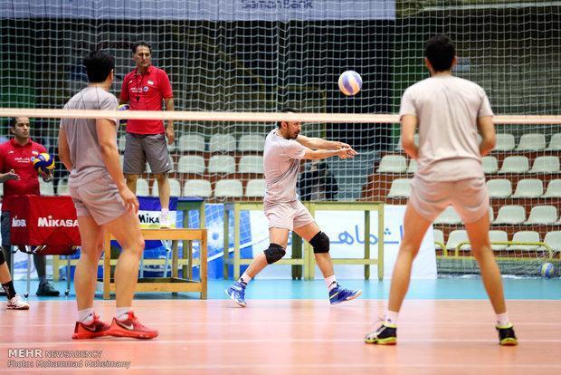 ادامه تمرینات تیم ملی در تهران، محمودی و قائمی فیزیوتراپی کردند