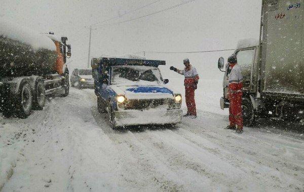 برف اخیر هیچ تلفاتی در جاده های کشور نداشت ، امدادرسانی به 5791 مسافر در گیلان