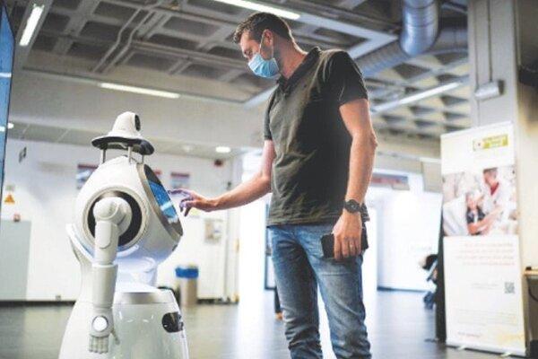 رباتی که به کادر درمان یاری می نماید