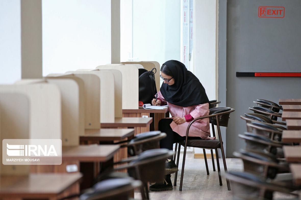 خبرنگاران نگاهی به برنامه های دانشگاه های اصفهان در خاتمه سال تحصیلی