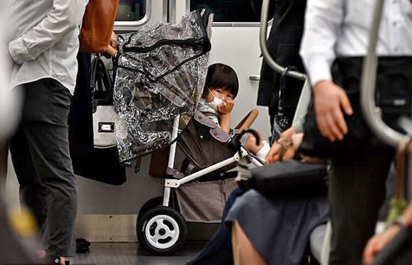 دانشمندان: ماسک برای بچه ها زیر دو سال بسیار خطرناک است