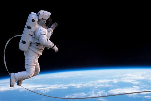 نخستین مسافران تجاری اسپیس ایکس سال آینده به فضا می فرایند