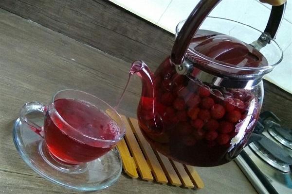 طرز تهیه چای آلبالو؛ آرامبخش و خوش عطر