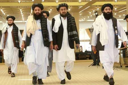 هیات طالبان برای نهایی کردن مذاکرات انتقال قدرت از قطر راهی کابل شد